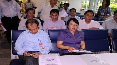 Buổi làm việc của Bộ Y tế với nhân viên kiểm dịch y tế quốc tế tại Tân Sơn Nhất về Mers. Ảnh: Thanh Huyền.