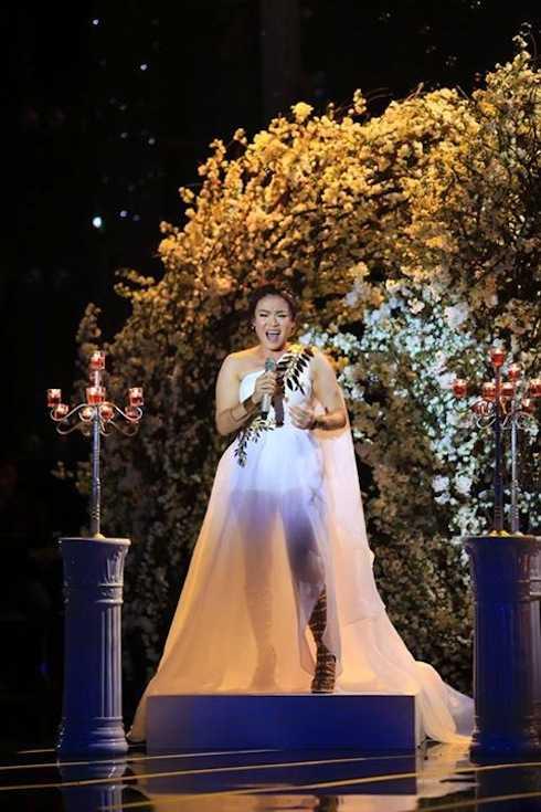 Ở phần thử thách được chỉ định bởi ban giám khảo, nhạc sỹ Phương Uyên đã yêu cầu Hải Yến trình bày lại ca khúc 'Yêu mình anh' mà cô từng thực hiện thành công ở đêm nhạc Pop trước đó. Cô nhận được 'cơn mưa lời khen' từ ba vị giám khảo. Đức Huy cho rằng cô thật sự toả sáng đêm nay.
