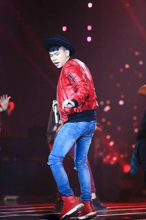 Hoàng Tôn thể hiện xuất sắc hit 'Nói với em' của rapper Big Daddy. Giám khảo Đức Huy sau phần trình diễn này đã tự liệt mình vào danh sách những người hâm mộ Hoàng Tôn.