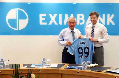 Ông Lê Hùng Dũng đóng vai trò quan trọng trong quá trình hợp tác với Man City