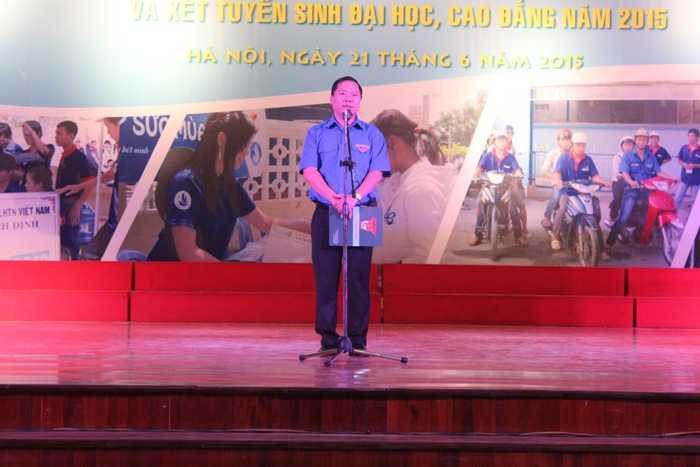 Anh Nguyễn Phi Long phát biểu tại Lễ ra quân.