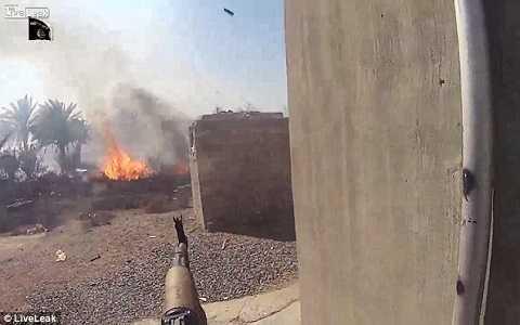 Hình ảnh trong cuộc giao tranh khốc liệt giữa IS với các binh sĩ quân đội Iraq