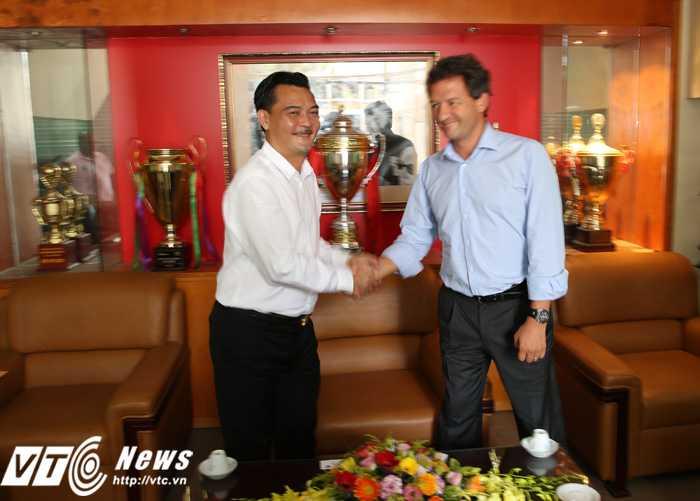 Hà Nội T&T hi vọng hợp tác lâu dài với Man City (Ảnh: Phạm Thành)