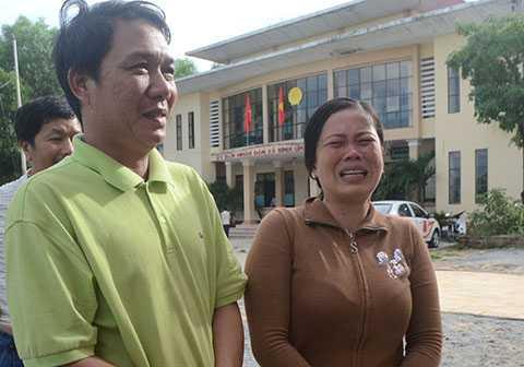 Nước mắt người vợ khi chồng trở về sau vụ tai nạn
