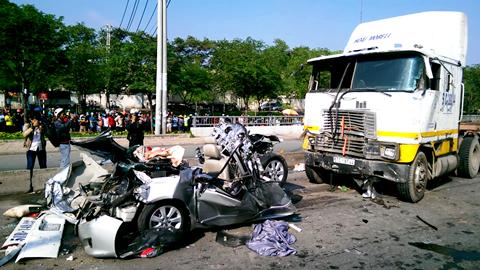 Hiện trường vụ TNGT khiến 5 người chết tại quận Thủ Đức ngày 31/5/2015.