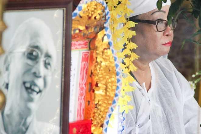 Sáng 29/6, ông rơi vào trạng thái hôn mê sâu. Dù được các bác sĩ nhiệt tình cứu chữa nhưng nhạc sĩ Phan Huỳnh Điểu không qua khỏi. Sự ra đi của ông khiến nhiều người bàng hoàng và tiếc nuối vì nền âm nhạc Việt mất thêm một cây đại thụ.