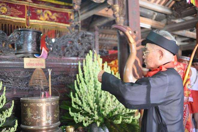 Ông Nguyễn Văn Tạc - Trưởng ban Khánh tiết, người có trên 20 năm tham gia chủ trì tổ chức lễ hội Đình Chèm.
