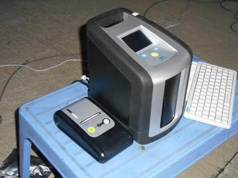 Máy cho ra kết quả sau khi kiểm tra ma túy, một thiết bị hiện đại của Phòng CSGT Công an TPHCM.Ảnh: Tử Long