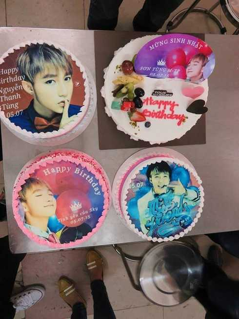 Đủ các loại bánh sinh nhật được Sky chuẩn bị riêng cho giọng ca 'Em của ngày hôm qua.'
