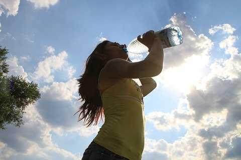 Uống quá nhiều nước có thể chết người!.