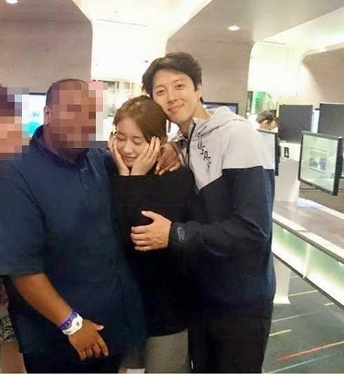 Hình ảnh thân mật của Lee Dong Gun và Ji Yeon.