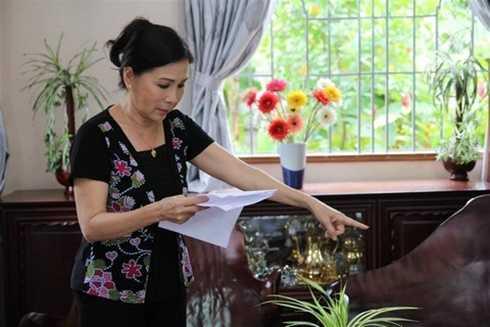 NSƯT Kim Xuân chăm chú nghiên cứu lời thoại nhân vật