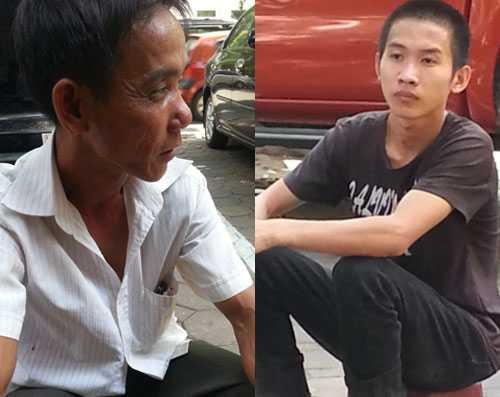 Ông Thanh và con trai ngồi đợi đón xe ngoài cổng toà Hà Nội.
