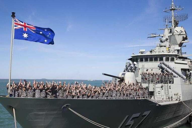 Chiến hạm HMAS Perth của Hải quân hoàng gia Australia tham gia tập trận