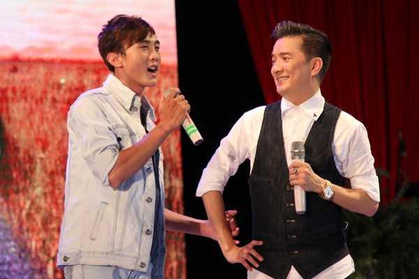 Mr. Đàm mời Trọng Nghĩa tham gia live show Đối đầu của anh cách đây không lâu.