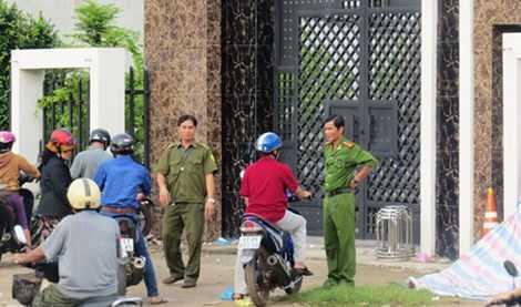 Đến ngày 9/7, hiện trường vụ án vẫn được lực lượng công an bảo vệ. Ảnh: TT