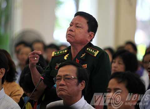 Đại biểu Nguyễn Quốc Bình cho rằng du lịch Đà Nẵng làm như cái lờ, chờ cá vào chứ chưa chủ động tạo sản phẩm.
