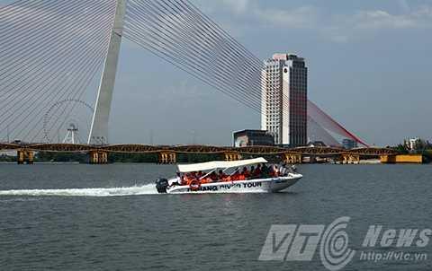 Sản phẩm du lịch đường sông Đà Nẵng đang thiếu, chưa xứng tầm