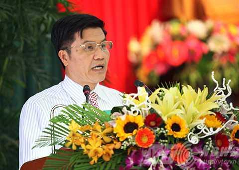 Ông Ngô Quang Vinh, Giám đốc Sở VH-TT-DL Đà Nẵng trả lời chất vấn của đại biểu.
