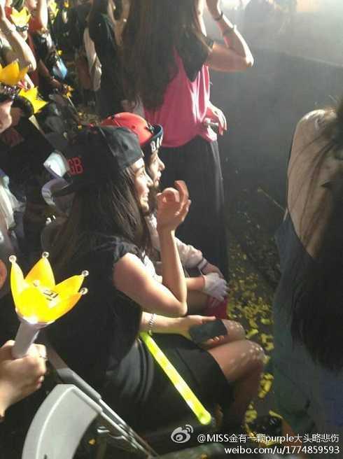 Angela Baby trong một concert của Big Bang