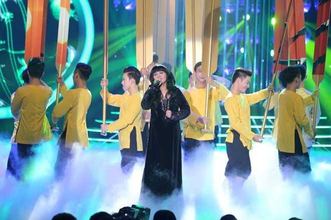 Ngọc Liên trong hình ảnh ca sĩ Hương Lan
