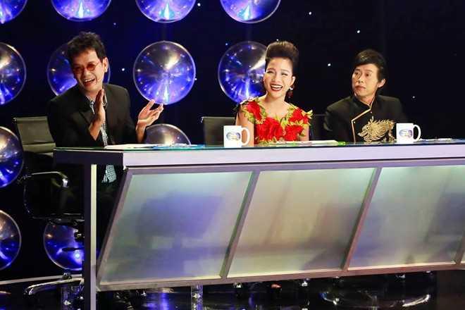 Bộ ba giám khảo Đức Huy - Mỹ Linh - Hoài Linh