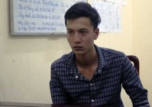 Dương sau khi bị bắt giữ. Ảnh: Chế Bắc.