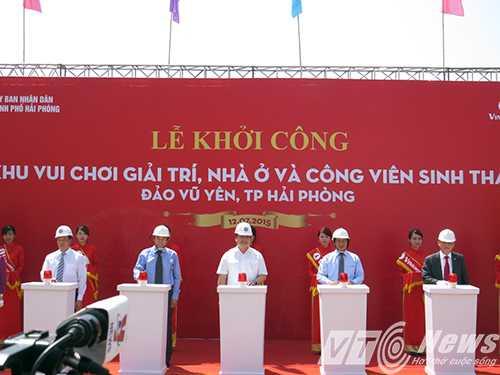 Phó Thủ tướng Chính phủ Hoàng Trung Hải cùng lãnh đạo TP Hải Phòng và Tập đoàn Vingroup phát lệnh khởi công dự án - Ảnh MK