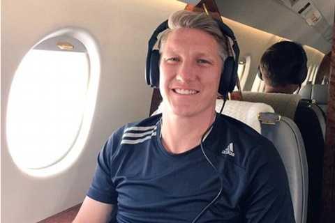 Schweinsteiger đang trên đường tới Manchester kiểm tra y tế