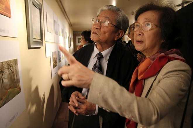 NSND Đình Quang và vợ. Ảnh: FB Mỹ Linh.