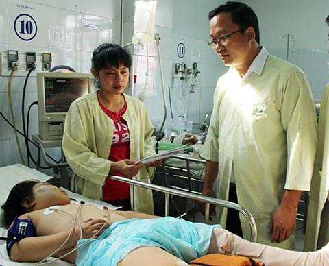 Ủy ban An toàn Giao thông Quốc gia và Ban An toàn giao thông TP.Đà Nẵng đã đến thăm, động viên và hỗ trợ các gia đình có người bị nạn
