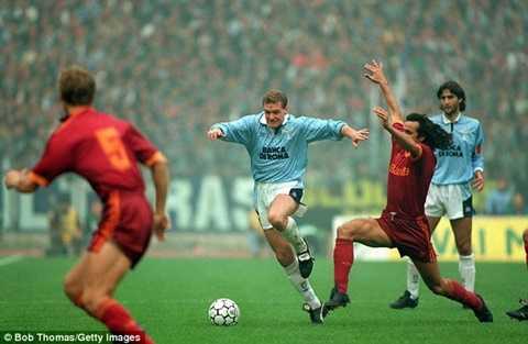 Paul Gascoigne sang Lazio là kỷ lục đầu tiên của cầu thủ Anh ở Premier League