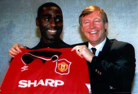 Andy Cole đến Man Utd tháng 1/1996 với giá 7 triệu bảng