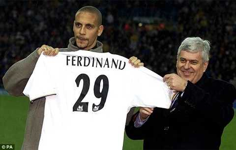 Rio Ferdinand 2 lần trở thành cầu thủ người Anh đắt giá nhất