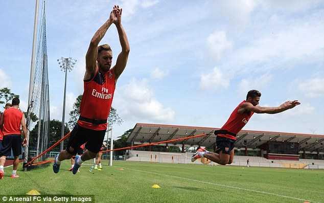 Arsenal tập luyện tại Singapore