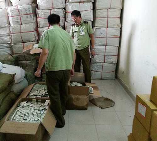 Hàng trăm nghìn bao cao su 'lậu' bị cơ quan chức năng phát hiện và thu giữ