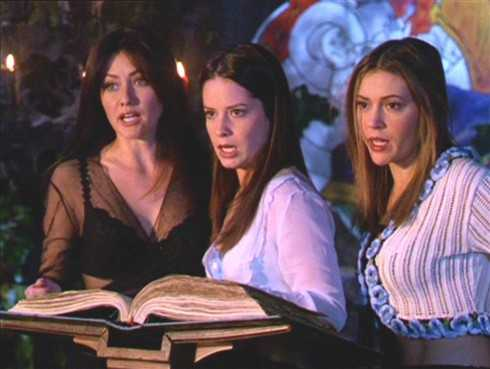 Ba nữ nhân vật chính xinh đẹp và gợi cảm