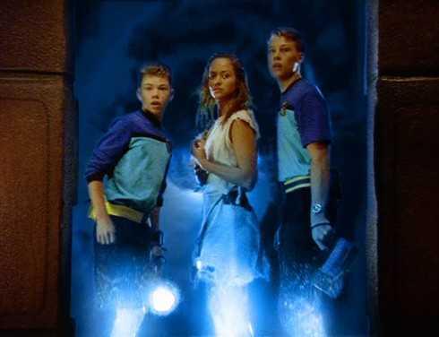 Hành trình khám phá bí ẩn dưới đáy đại dương của ba nhân vật chính