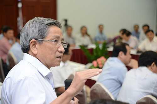 GS Nguyễn Minh Thuyết: Nên điều chỉnh các trang thông tin tổng hợp ở các luật khác (Ảnh: Đinh Tuấn)