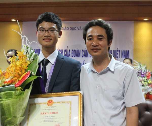 Vũ Xuân Trung và thầy Nguyễn Công Sính.