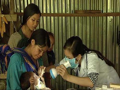 Khám bệnh bạch hầu tại Quảng Nam