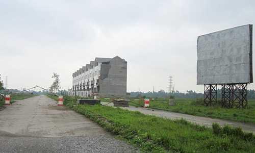 Giá đất nền tại Mê Linh hiện dao động từ 3,5 đến 9 triệu đồng một m2, bằng một phần ba so với 5 năm trước. Ảnh: P.V