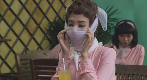 Thu Trang bị dị ứng vì dùng kem trộn trong phim.