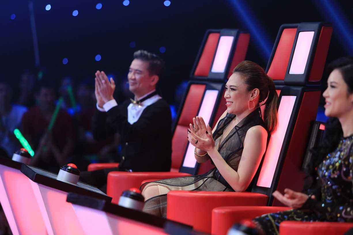 Mỹ Tâm ngồi ghế nóng chương trình The Voice 2015