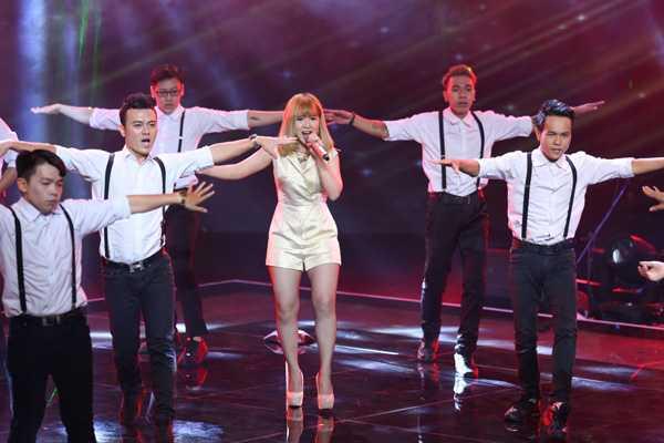 Hải Yến đội Mỹ Tâm thể hiện ca khúc Mercy. Tuy vừa được cứu về từ đội Thu Phương, nhưng Hải Yến đã phải chia tay chương trình sau đêm thi này.