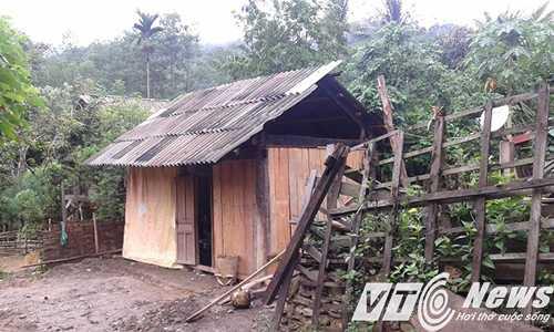 Căn nhà dân bản mới dựng lại cho ông Bình - Ảnh Minh Hải