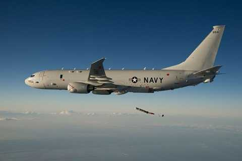 Máy bay trinh sát đa dụng P-8A Poseidon sẽ được Hải quân Mỹ mua sắm hàng loạt. (Ảnh: military.com)