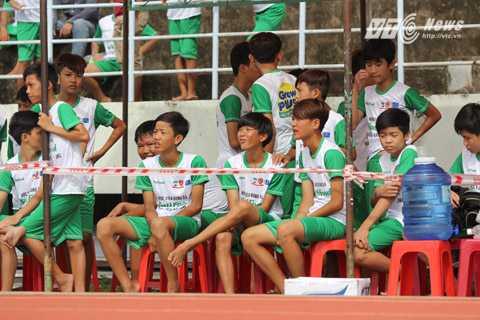 Niềm vui của các cầu thủ trẻ tham dự thi tuyển vào học viện Nutifood