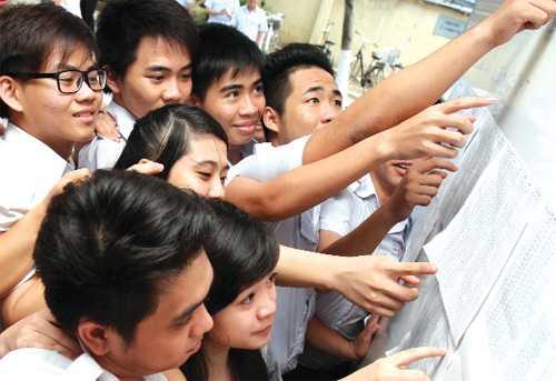 Bộ Giáo dục và Đào tạo không có chuyện độc quyền trong việc công bố điểm thi