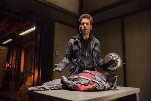 Siêu trộm Scott Lang (Paul Rudd) và chiếc áo đặc biệt tạo nên người Kiến khiến khán giả hào hứng.